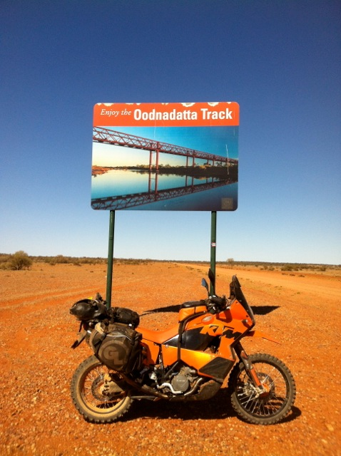 Giant Loop in Australia's Outback