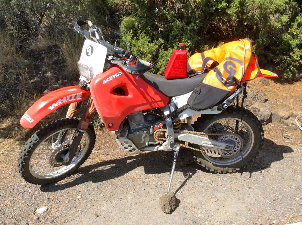 1-gal Reda Gas Can fits Coyote Saddlebag