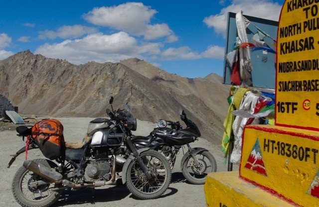 Giant Loop in the Himalaya's Highest Motor Pass