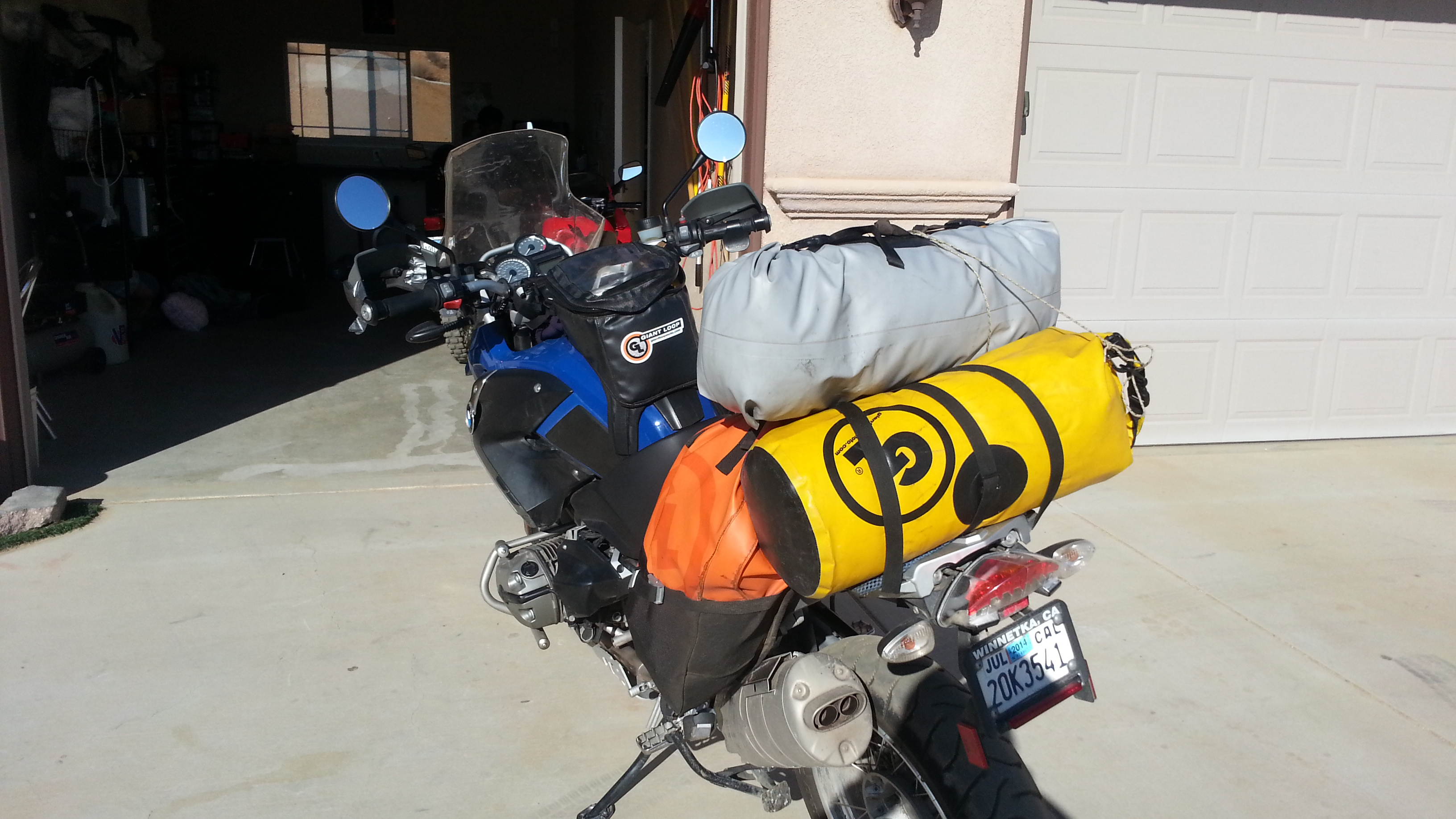 Giant Loop Rider 2 500 Miles On Bmw R1200gs Quot Dry As A