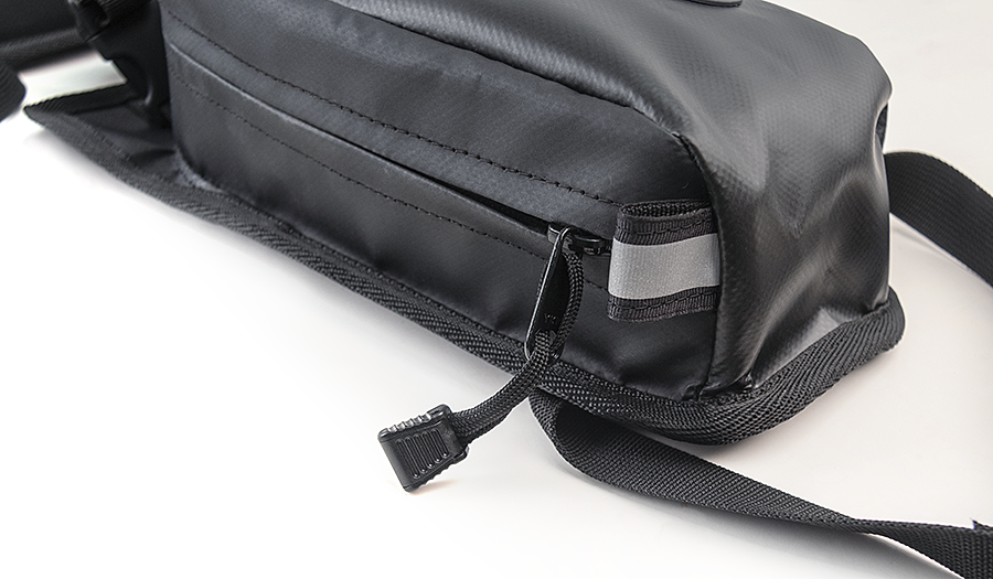 Pannier Pockets reflective tabs, YKK zippers
