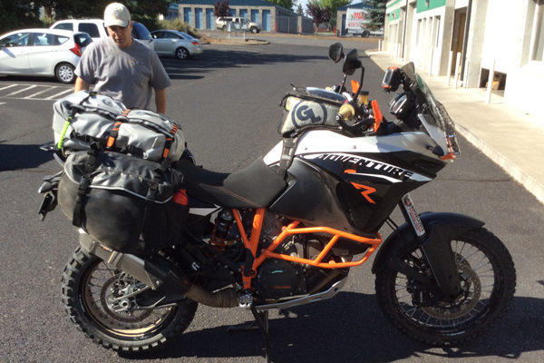 Fandango Tank Bag on KTM 1190 Adventure