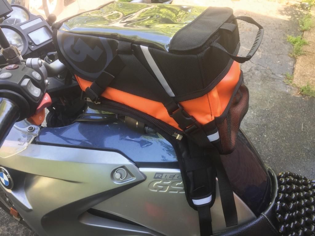 BMW R1200 GS Giant Loop Moto Kiger Tank Bag